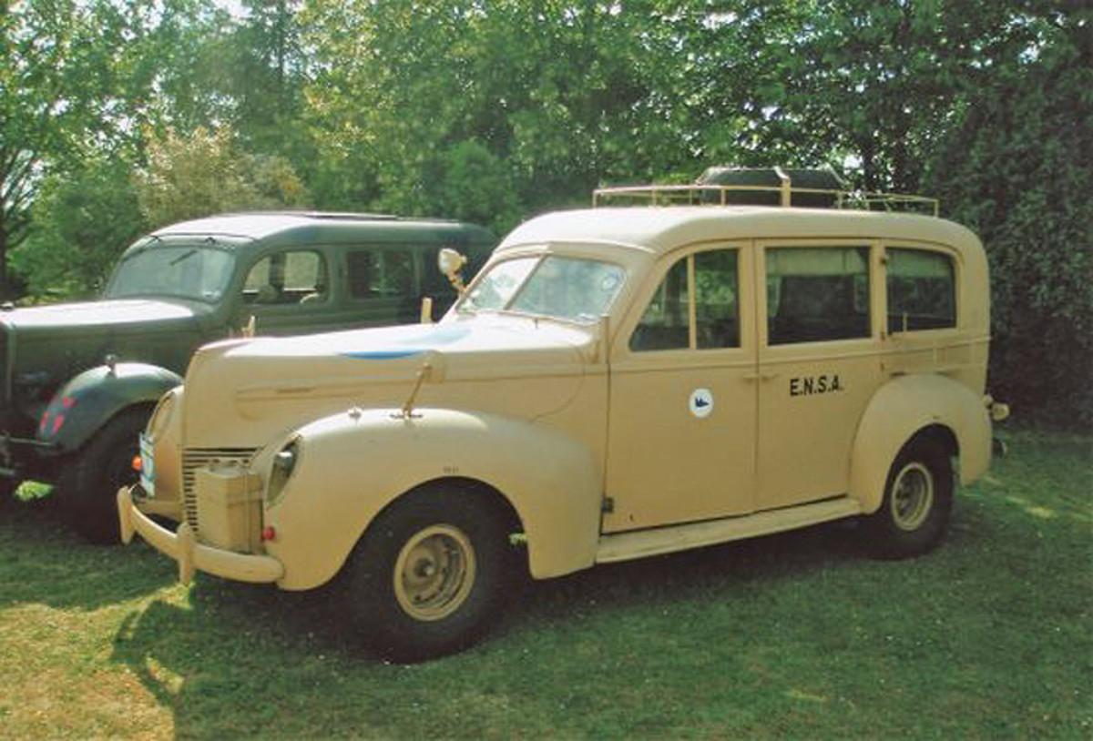 Mercury Eight estate car